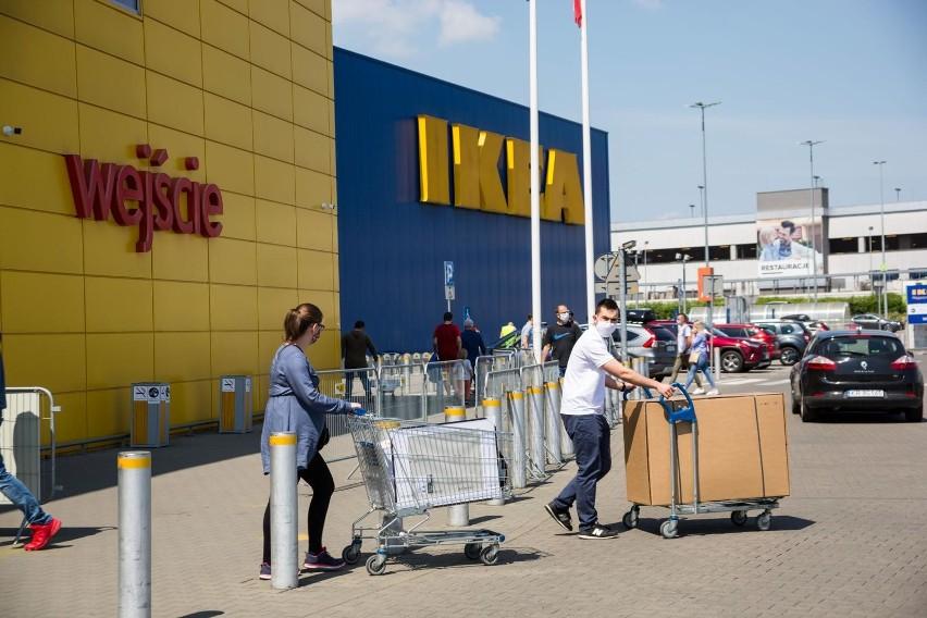 Sklepy IKEA cieszą się popularności wśród Polaków. Co ze sklepami z używanym rzeczami z IKEI?