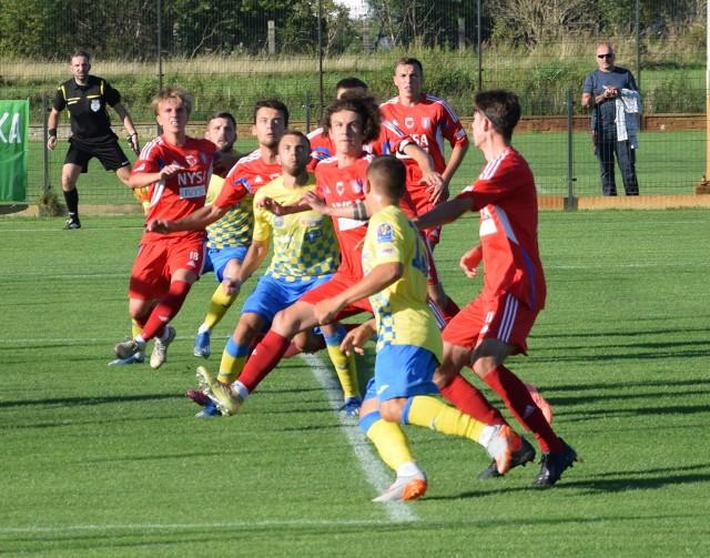 Zwycięstwo, remis i porażka to bilans naszych trzech zespołów rywalizujących w 3 lidze. Ten pierwszy wynik stał się udziałem Stali Brzeg, drugi MKS-u Kluczbork, a trzeci Polonii Nysa.