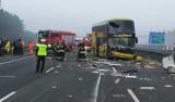 Wypadek autobusu na autostradzie A1 w Żorach: Po zderzeniu z ciągnikiem cyrkowozem Cyrku Arena trasa była zablokowana WIDEO+ZDJĘCIA