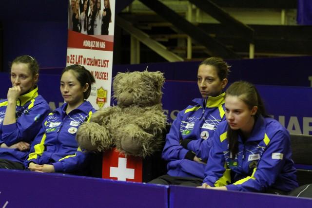 Kinga Stefańska, jako trenerka oraz Li Qian i Elizabeta Samara reprezentują Enea Siarkę na World Tour w Katarze (obok nich na zdjęciu Agata Zakrzewska). Oprócz nich gra tam jeszcze Han Ying