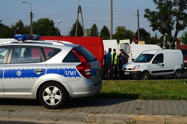 Przed giełdą na Franowie regularnie pojawiają się policyjne radiowozy.