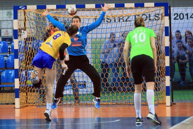 Piłkarki MKS Selgros lepsze od Vistalu Gdynia