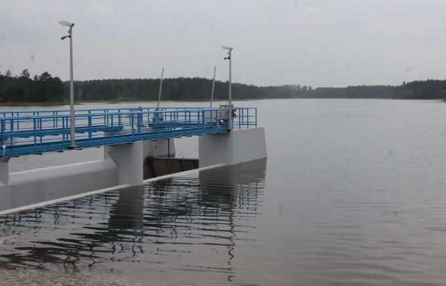 Zniesienie zakazu ciszy ma docelowo sprawić, że powstaną warunki do rozwoju zalewu w Jagodnie pod Przytykiem.