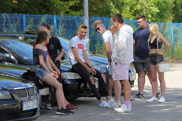 Blisko 200 maszyn, a wśród nich samochody, motocykle oraz... quad, pojawiło się 25 lipca po południu na parkingu przy ul. Morgowej. Zorganizowano tam zlot pojazdów tuningowanych.Zobacz ZDJĘCIA na kolejnych slajdach