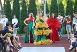 Pokaz mody w Sosnowcu. Uczniowie Technikum nr 7 w CKZiU zaprezentowali obłędne kreacje. Szkoła świętowała 75-lecie