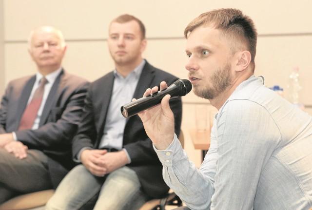 Najpierw wyjechałem z Białegostoku. Zajmowałem się budowaniem sieci internetowych. Wróciłem do Białegostoku, do rodzinnej firmy. Żyję teraz w fajnym mieście, które się rozwija - mówił Paweł Żmiejko.