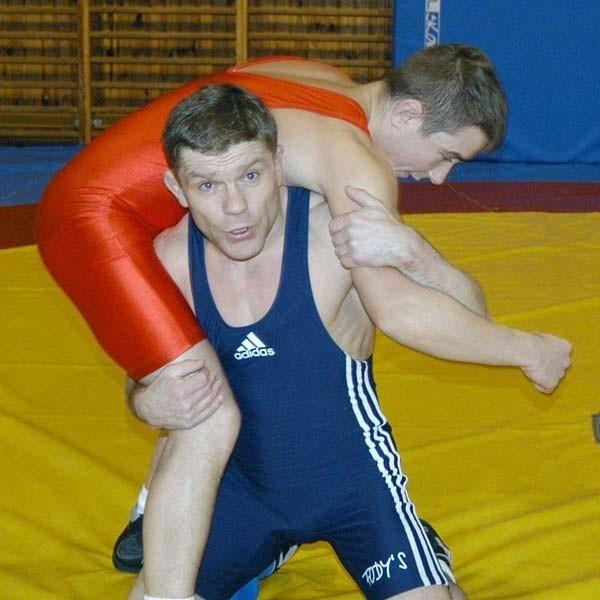 STANISŁAW SURDYKA; WIEK: 35 lat. W 2006 ROKU: Mistrz Polski w kategorii 55 kg, Akademicki Mistrz Polski w kategorii 60 kg.