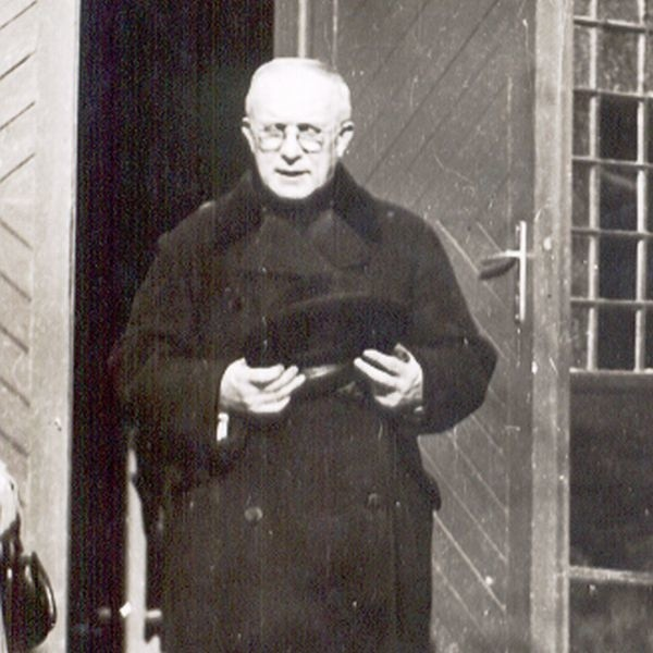 Tuż przed wrześniową beatyfikacją doczesne szczątki ks. Michała Sopoćki zostały przeniesione z podziemia Sanktuarium Miłosierdzia Bożego do świątyni.