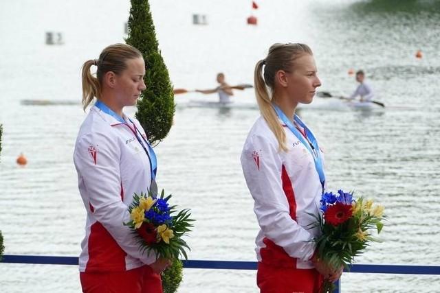 Sylwia Szczerbińska (z prawej)