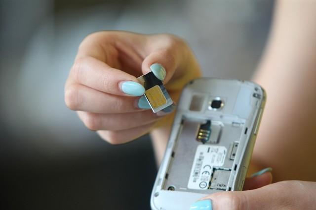 Trzy najczęściej wybierane usługi przez pracowników z Ukrainy pracujących w Polsce to oferty operatorów komórkowych, pakiet Internetu oraz telewizja.