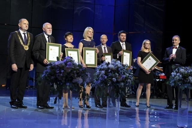 Gala Nagród Marszałka Województwa Kujawsko-Pomorskiego odbyła się w poniedziałek (19 czerwca) w CKK Jordanki w Toruniu.