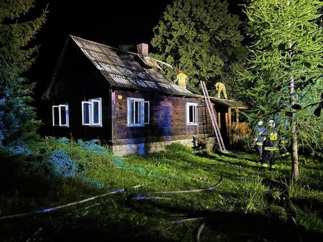 Bystre. Pożar domu gasiło pięć zastępów