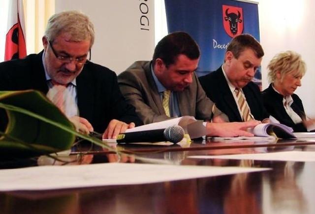 Podpisana wczoraj umowa umożliwi rozpoczęcie budowy najpóźniej za dwa tygodnie