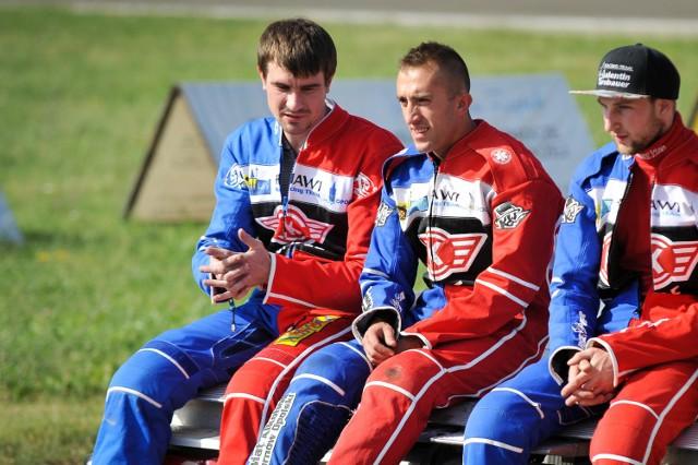 Najlepsi zawodnicy opolskiego zespołu: Rosjanin Denis Gizatullin (z lewej) oraz Paweł Miesiąc.