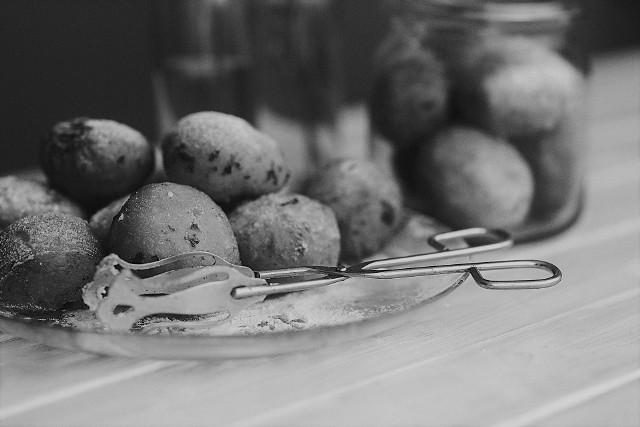 Podobno pączki według przepisu Lucyny Ćwierczakiewiczowej z XIX wieku są lekkie, puszyste i warte zachodu!