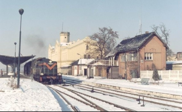 Pociąg na stacji w Głubczycach.