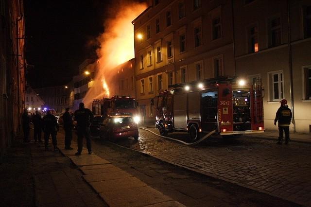Pożar przy ul. Krasińskiego w SłupskuPożar przy ul. Krasińskiego w Słupsku