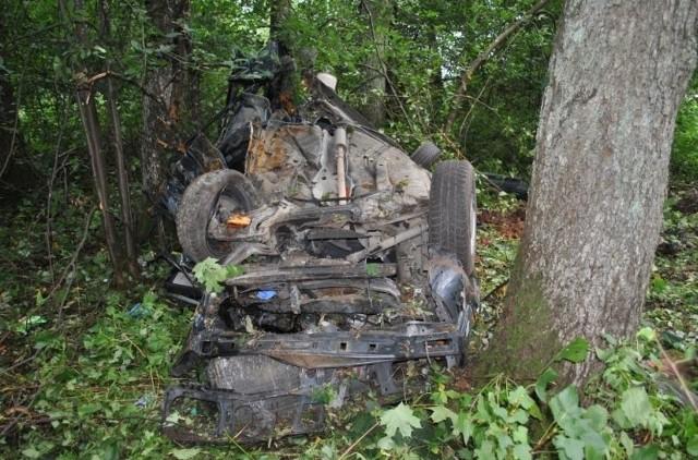 Śmiertelny wypadek w Białobrzegach. Na krajowej ósemce zginęły trzy osoby.