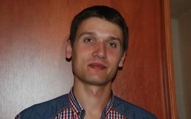 Piotr Kostrzewski pracuje jako listonosz od trzech lat