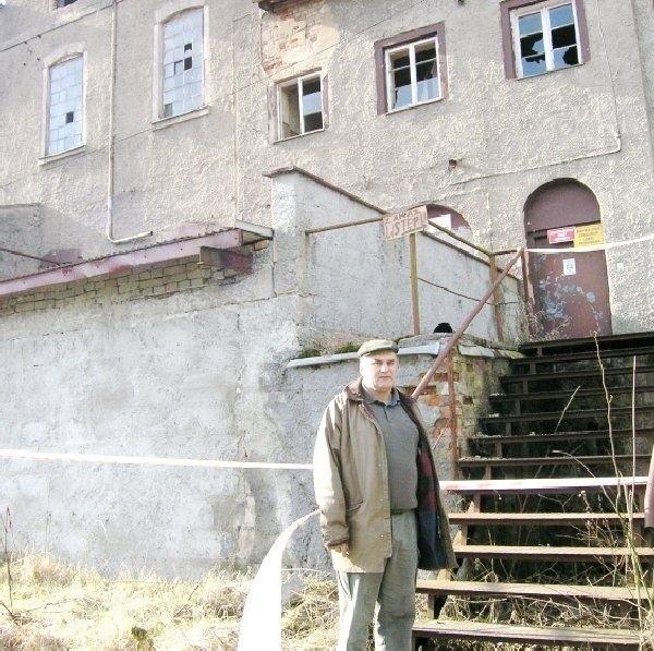 Marian Jakubowski dogląda majątku  upadłej gorzelni w Wielgiem. Ma nadzieję,  że praca kilku pokoleń nie zostanie  zmarnowana.