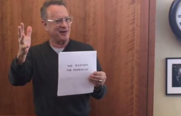 Nie wypada nie pomagać. Naprawdę! Naprawdę nie wypada – mówi Tom Hanks w filmiku opublikowanym przez Monikę Jaskólską z Bielska-Białej. I oznajmia, że w ramach pomocy dla Szpitala Pediatrycznego w Bielsku-Białej pomoże w aukcji kolejnego zabytkowego samochodu. Tym razem będzie to... Syrena!