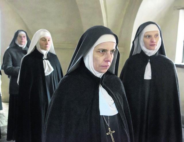 To aktorski popis kilku polskich aktorek, Agaty Kuleszy czy Agaty Buzek  w rolach pohańbionych mniszek