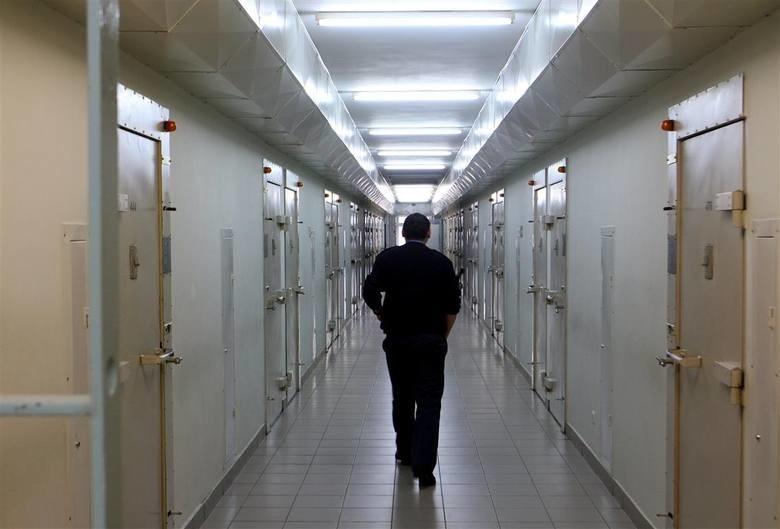- Na podstawie art. 212a§1 kodeksu karnego wykonawczego...
