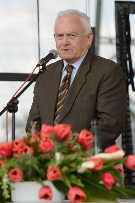 """Leszek Miller, przewodniczący SLD skomentował śmierć Wojciecha Jaruzelskiego na twitterze """"Odszedł wielki Polak"""""""