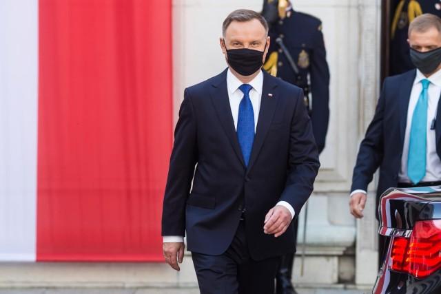 Prezydent Andrzej Duda przemówił: Mam koronawirusa ale nie odczuwałem i nie odczuwam żadnych dolegliwości. Przepraszam innych za kłopot