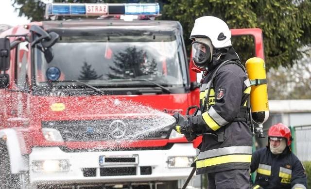 Poznań: Pożar na Obodrzyckiej. Ewakuowani pracownicy/zdjęcie lustracyjne