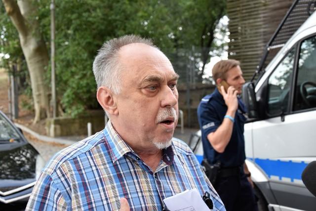 Janusz Sanocki, były poseł, oskarżony o zniszczenie mienia w urzędzie wojewódzkim w Opolu