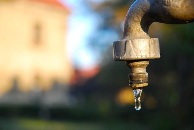 Woda w Cisowie oraz Stypułowie jest obecnie niezdatna do spożycia.