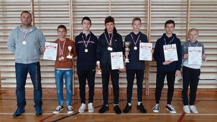 Na zdjęciu od lewej: trener: Marcin Janowski, Bartosz Seremak, Alex Rzepa, Piotr Rugała, Igor Gwizdowski, Bartłomiej Stemborowski, Łukasz Sadłocha.