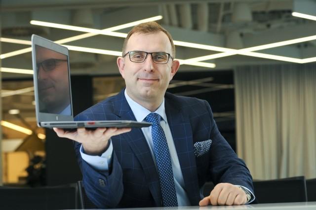 Wejście na giełdę, najpierw na NewConnect, a następnie na główny parkiet warszawskiej giełdy. To plan TenderHut na 2021 rok – mówi Robert Strzelecki, prezes zarządu jednej z najszybciej rozwijających się spółek z sektora IT w Polsce
