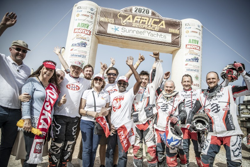 Sukces Polaków w Africa Eco Race. Marcelina Zawadzka także...