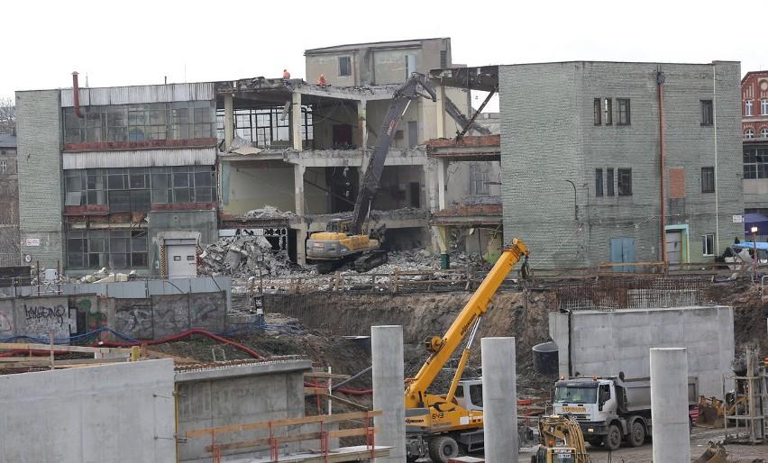 Budowa Nowotargowej. Rozpoczęli wyburzanie zabudowań Enkevu [ZDJĘCIA]