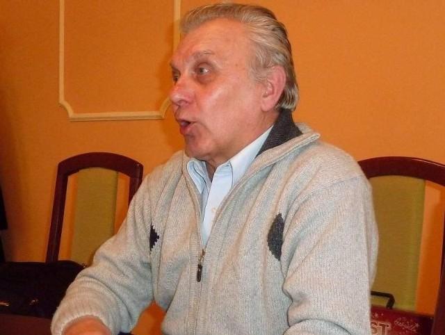 Zenon Oleszewski uważa, że wprowadzenie podatku opadowego jest kolejnym przykładem obciążania mieszkańców (fot. Lucyna Makowska)
