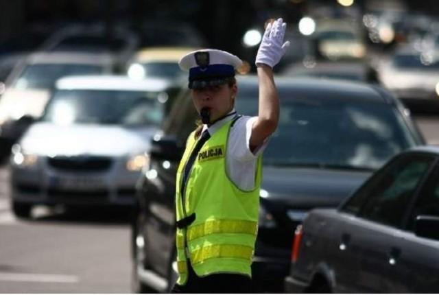 Konkurs Policjant Ruchu Drogowego Roku 2015. Mundurowi będą sterować ruchem w Białymstoku