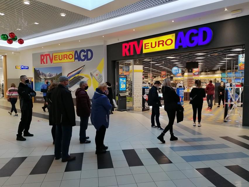 Kujawsko-Pomorskie. Otworzyli galerie handlowe w regionie. Tłum ruszył na zakupy [zdjęcia]