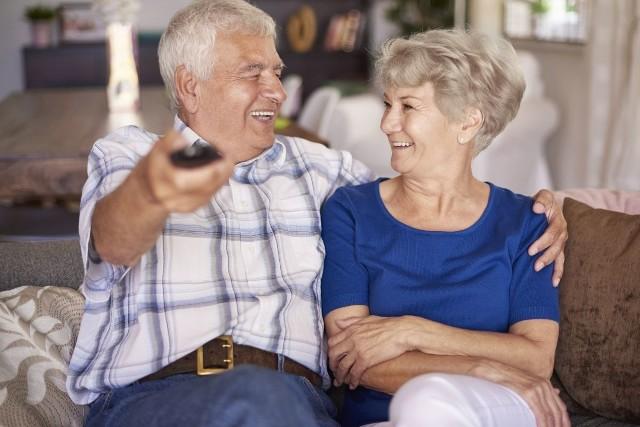 Dziś zaglądamy do portfeli emerytów i rencistów.  Pokazujemy dochody emerytów i rencistów na podstawie informacji, które sami nam przekazali. Większość z nich podawała kwoty świadczeń na rękę.Byłe zawody emerytów z regionu i ich emerytury poznasz w dalszej części galerii >>>