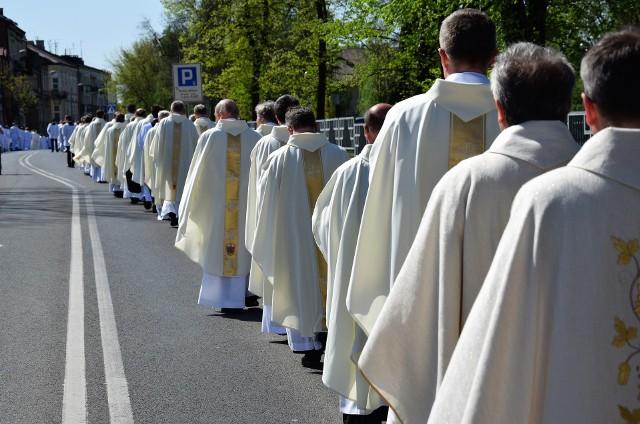Przenosiny czekają 75 wikariuszy z parafii diecezji tarnowskiej. To na razie część roszad
