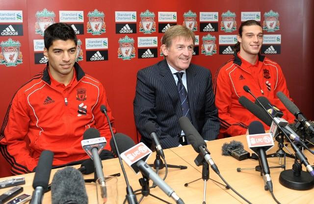 Kenny Dalglish (w środku)