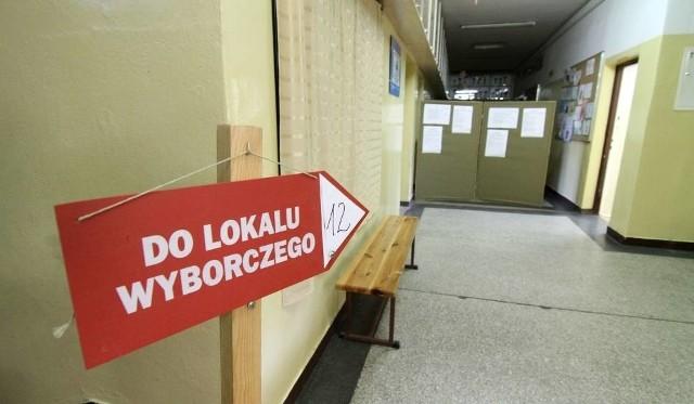 Wybory samorządowe 2018: Instrukcja obsługi wyborcy, czyli 10 kroków do oddania głosu. Idź na wybory to #robiróżnicę