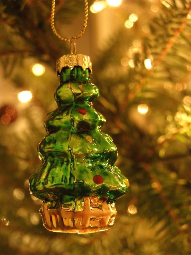 """""""W dzień Bożego Narodzenia"""" - jest to kolęda XVII – wieczna o radosnym, tanecznym charakterze. Oparta jest na rytmie mazura, posiada rodowód ludowy."""