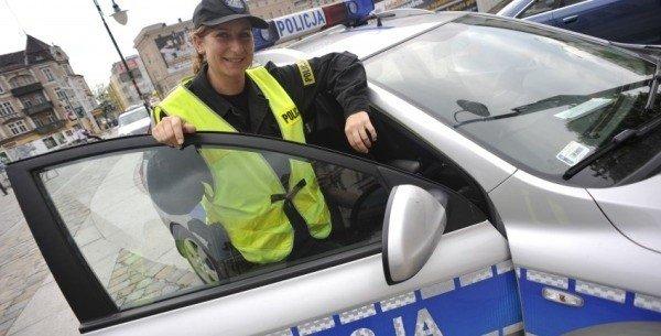 652a7a3050c6e9 Posterunkowa Agnieszka Gric pracuje w policji od kilku miesięcy. - Nie było  łatwo się dostać