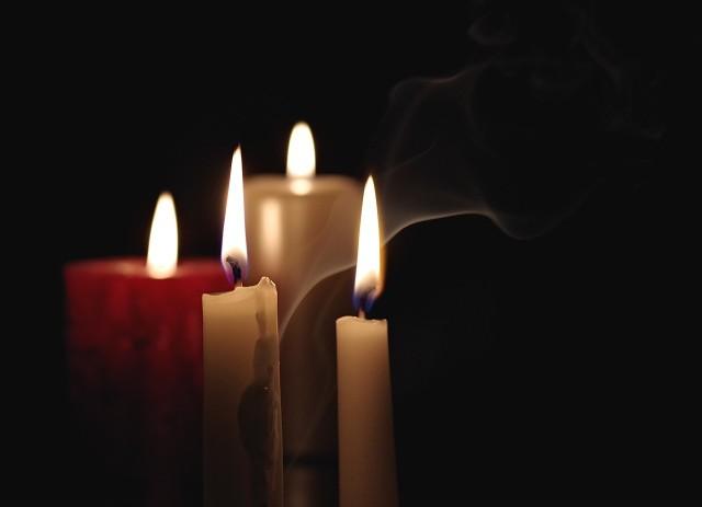 Muzeum Ziemi Wschowskiej tradycyjnie w dzień zaduszny zaprasza do o zapalenia Światełka Pamięci na dawnych cmentarzach wschowskich - Lapidarium Rzeźby Nagrobnej.