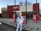 """Restauracja """"KFC Drive Thru"""" przy ul. Żmigrodzkiej już otwarta"""