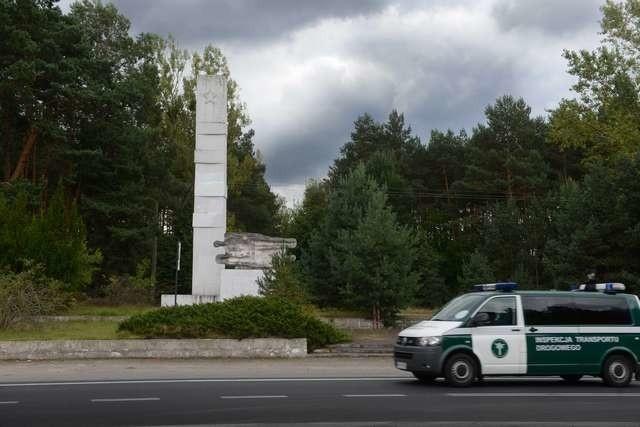 Zbezczeszczony w niedzielę pomnik na Glinkach został już uporządkowany