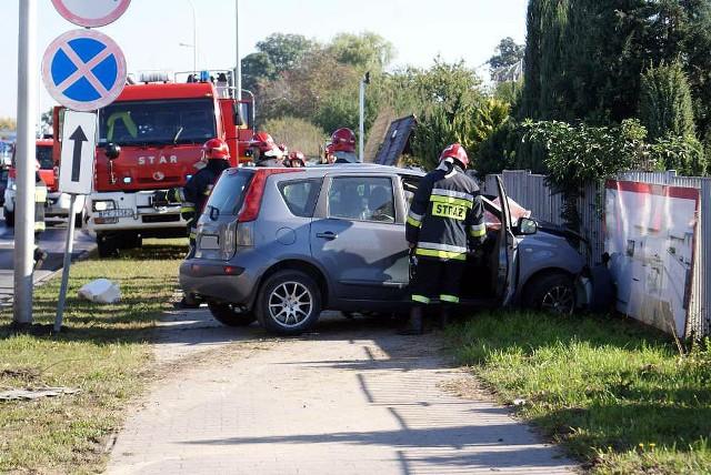 66-letni kierowca nissana zginął w zderzeniu z ciężarówką w Kaliszu