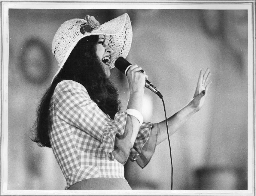 Anna Jantar zginęła, mając zaledwie 30 lat. Mimo młodego wieku wylansowała wiele przebojów, które do dziś pojawiają się w radiu, w telewizji i na płytach. Była po prostu ikoną piosenki